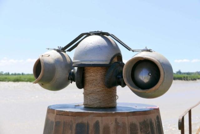 Ecouteurs pour signaux de brume sur fond de zone d'évitage
